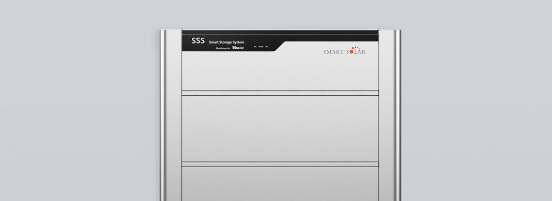 スリムでスタイリッシュなスマートソーラーオリジナルデザイン。スタック構造かつ専用ベースによる省施工を実現。